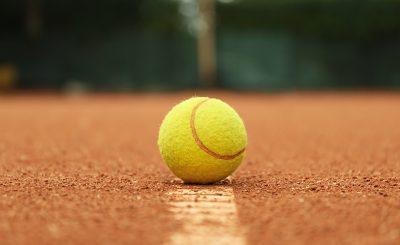 Illustration de la definition d'un hawkeye au tennis